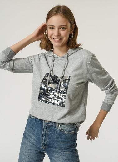 NGSTYLE NGSTYLE Kadın Pul Payet İşlemeli Kapüşonlu Sweatshirt Gri